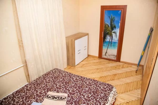 2 rooms Apartment on Peremohy str 71. Centre 4