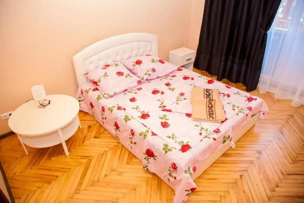 2 rooms Apartment on Soborny Avenue 182. Luxury class. Centre 12