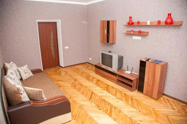 2 rooms Apartment on Soborny Avenue 182. Luxury class. Centre 4