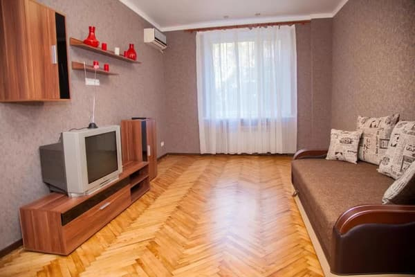 2 rooms Apartment on Soborny Avenue 182. Luxury class. Centre 3