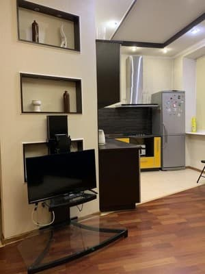 Apartments Studio near Ukraine Mall 4